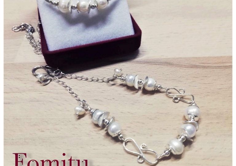 Pearls in Silver